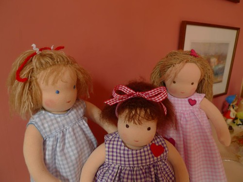 the little dolls for three little sisters