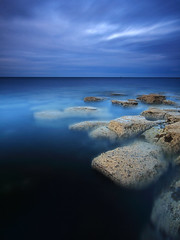 Charley's Garden (Alistair Bennett) Tags: longexposure sunset seascape evening coast rocks northumberland polarizer seatonsluice nd12 canonefs1022 collywellbay charleysgarden gnd06he