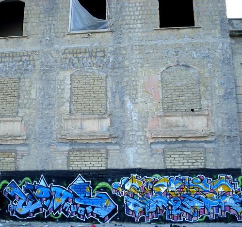 TOAD & PARIZ italy ruins