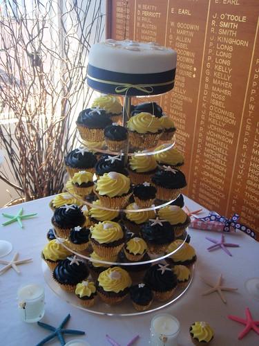 Beach Wedding Cupcakes Chocolate mud cupcakes with white chocolate