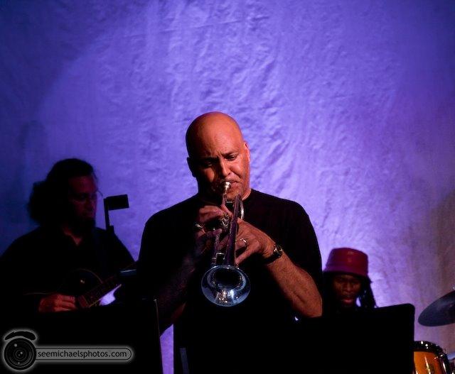 Derek Cannon Kamau Kenyatta Group at Tango Del Rey 92309 © Michael Klayman-019