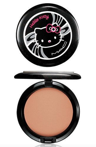 MAC Hello Kitty-美顏蜜粉餅BEAUTY POWDER-TahitianSand-NT$900 by you.