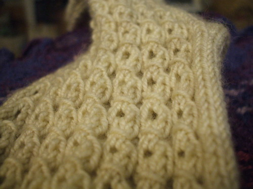 Lace mock cable close up