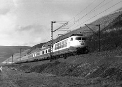 Germany Ohlenberg Rheinland-Pfalz 10th February 1975 (loose_grip_99) Tags: railroad mountain electric train germany deutschland blackwhite noiretblanc railway trains db 1975 rhine railways boppard rheinlandpfalz rhinevalley spay ohlenberg 1031418