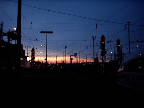 Bahnhof in der Morgendämmerung
