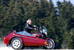 2007 Apr 08 -D80- 006_bearbeitet-1 (urs.guzziworld) Tags: moto motoguzzi guzzi gespann fotoshooting seitenwagen 20070408