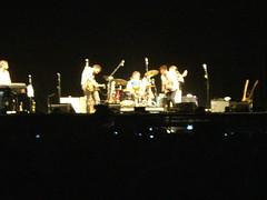 Los Hermanos (CrisGusmo) Tags: show brazil brasil concert tour saopaulo kraftwerk thomyorke radiohead loshermanos 2009 jonnygreenwood colingreenwood philselway edobrien inrainbows lastfm:event=848209 justafest chacaradojockey chacaradojoquei inrainbowstour2009
