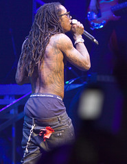 Rapper Lil Wayne  performs at Gibson Amphitheater in Los Angeles on March 29, 2009 (Michael Zampelli) Tags: los angeles wayne class lil hiphop heroes universal rap gym grammy lilwayne tpain