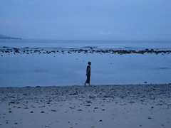 walking by the sea at cristo rei beach (...storrao...) Tags: beach sunrise cristo timor rei dili storrao sofiatorro