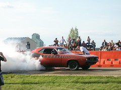 1973 Plymouth Cuda Burnout Competition (blondygirl) Tags: auto car plymouth mopar burnout cuda 1973 sprucegrove plymouthcuda burnoutcompetition cruisersofthepast grovecruise cudaburnout