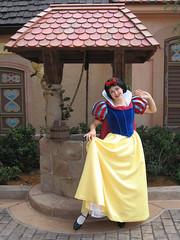 Snow White (meeko_) Tags: snow white snowwhite princess characters disneycharacters wishing well wishingwell germany worldshowcase epcot themepark walt disney world waltdisneyworld florida 5stardisneyaward disneyphotochallenge disneyphotochallengewinner