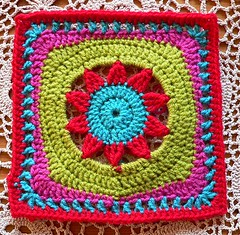 Blooming Lace (Lindevrouwsweb) Tags: grannysquare haken vierkantjes