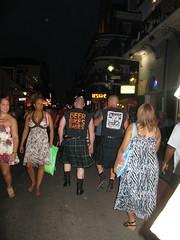 Punkies escoceses en la calle Bourbon