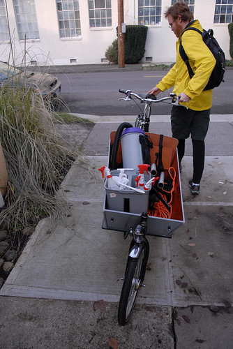 Cleaning service goes by cargo bike-1