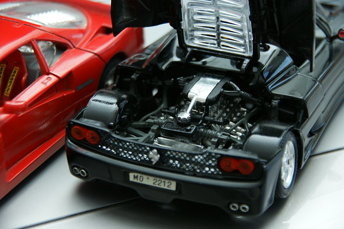 Ferrari F40 (1987), F50 (1995)