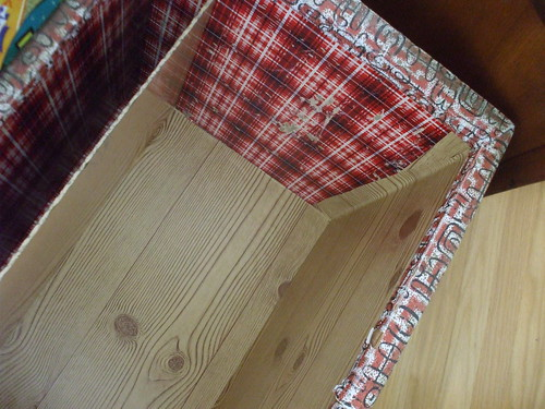 toy box - woodgrain bottom and side