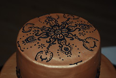 Henna style top (misscourtj) Tags: black gold weddingcake fondant royalicing fondantweddingcake goldcake hennacake goldweddingcake