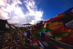 Thorung La (DarrenWilch) Tags: la flag kathmandu circuit annapurna thorung prayrer