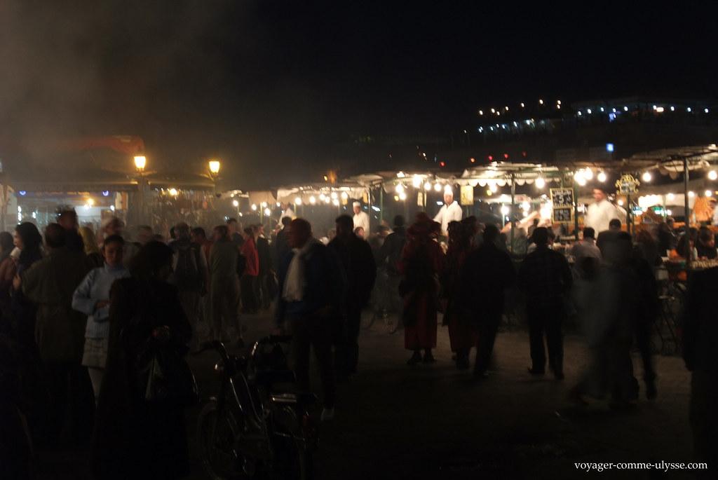 A praça de noite