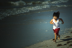 On a Hurry!! (Tarzan!!!) Tags: sea children mexico mar kid yucatan running run celestun nio correr