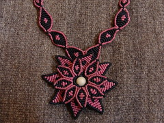 Macrame Rosa Negra (pacificdaphne) Tags: handmade negro rosa collar macrame makrame artesania rosanegra macramé hancraft hiloencerado echoamano