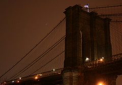 BROOKLYN BRIDGE EARTH HOUR 2009 (kevinh_photos) Tags: nyc newyork night manhattan brooklynbridge 2009 earthhour kevinhphotos