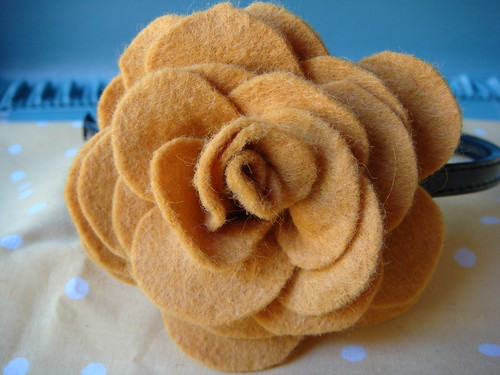 Rose Marigold headband  close