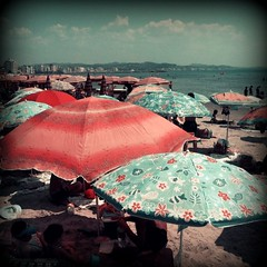 i dreamt of summer (Eni Turkeshi Imagery) Tags: summer color texture beach umbrella square grunge dream atmosphere utata expressionist cinematic emotions palabra marielito independentphotos indiesummertime
