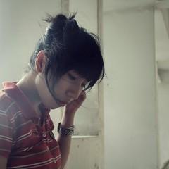 (Syka L Vy) Tags: white selfportrait love smile hair vietnam vy pam dreamer 2009 l syka vng alotoffaces fromsykawithlove lovefortomorrow sykalevy lehoangvy sundayspirit