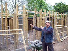 BuilderScrap.com working at Chester Zoo wooden frame almost completed (Recipro) Tags: work bricks working chesterzoo builderscrapcom
