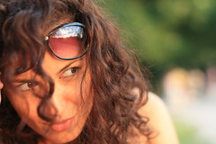 къдрици (d3l) Tags: portrait girl sunglasses bokeh zazie curlyhair