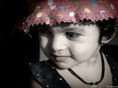 Innocence personified ... (Prashhant) Tags: portrait baby girl reflections children kid child sakal riddhima prashhant tadka09wk35