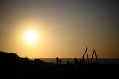 esperando el final del da ( Ms bello que el silencio ) Tags: puestadesol hondarribia guipuzkoa cruzadas a3b 6retos6 fotoconcursos higerbidea