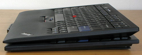 ThinkPad USB Keyboard: Side view