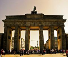 Brandenburger Tor - HDR (-Francesco Giunta-) Tags: berlin art canon germany powershot views porta tor brandenburgertor brandenburger hdr berlino brandeburgo canonpowershots5is exploreit s5isgermania
