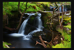 talybont waterfall valley (Martyn.Smith. Back from Euro tour :)) Tags: water wales creek forest canon woodland river landscape eos photo stream flickr cymru breconbeacons valley cachoeira cascada chutedeau cascata waterval talybont wassefall talybontonusk 450d platinumheartaward