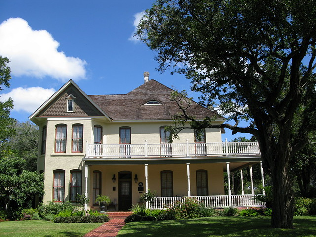 Historic Home Victoria Texas by Hessee