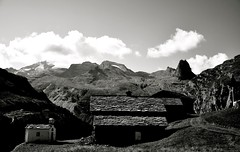 FRUNT ZERVREILIA (seb76zrh) Tags: mountain alps switzerland nikon swiss chapel vals barrage d90 zervreilia