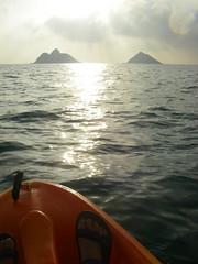 Kayaking to the Mokulua Islands (jainnie.jenkins) Tags: hawaii oahu kayaking mokuluaislands mokulua