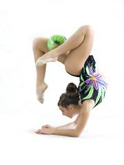 PA102565 (eR.A.) Tags: girl olympus gymnastics zuiko e510 zd esystem zd50200