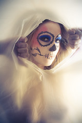 (Simple Insomnia) Tags: woman girl skeleton makeup plastic peek sheet tear facepaint dadelosmuertos