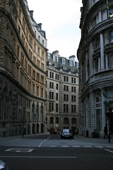 London_Straenflucht (benjaminvonpidoll) Tags: london strasse architektur kontrast
