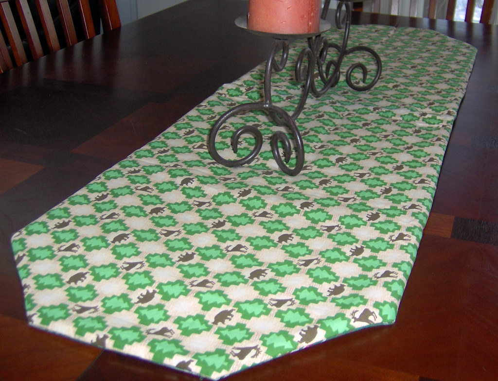 Reversible table runner - log cabin and green plaid