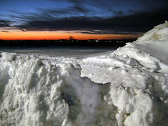 "Project 365: Day 20 ""Sunset Over Snow Field"" (pixelmama) Tags: winter sunset project illinois geneva 365 2009 genevaillinois project365 3661 p365 chasinglight project3652009 project365digiscrappersedition"