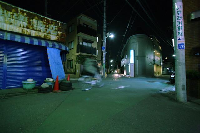 夜の五叉路