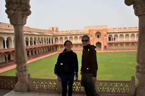 Eli and Veronica in front of the former fish pond in the Agra Fort