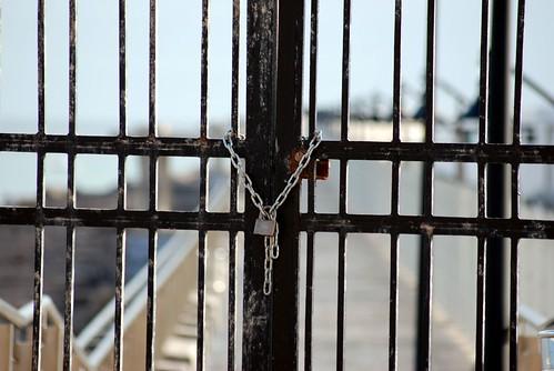 elinformaldefran.com 091208 Rompeolas cerrado