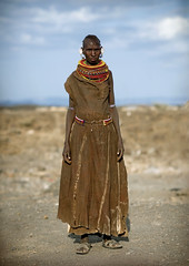 Turkana woman with leather dress - Kenya (Eric Lafforgue) Tags: africa people kenya culture tribal tribes afrika tradition tribe ethnic tribo afrique ethnology tribu eastafrica qunia 6791 lafforgue ethnie ethny  qunia    kea    a
