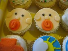 BEB - Maternidade e Ch (Confetti & Cupcakes) Tags: cupcakes lembrana infantil beb casamento festa aniversrio decorao bolinhos gostosos