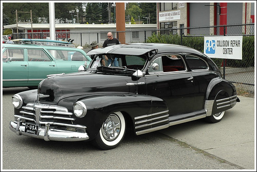 Chevrolet Fleetline The hood